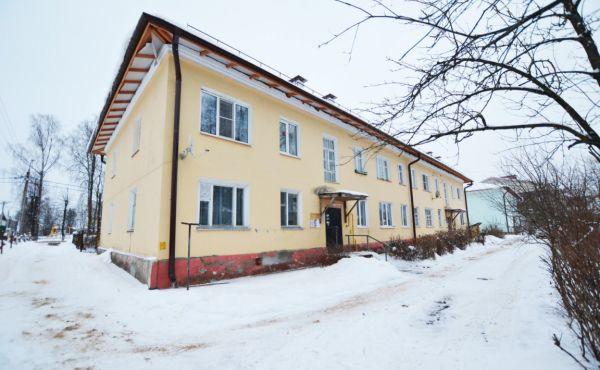 Двухкомнатная квартира в городе Волоколамске, по адресу: ул. Космонавтов, д.4